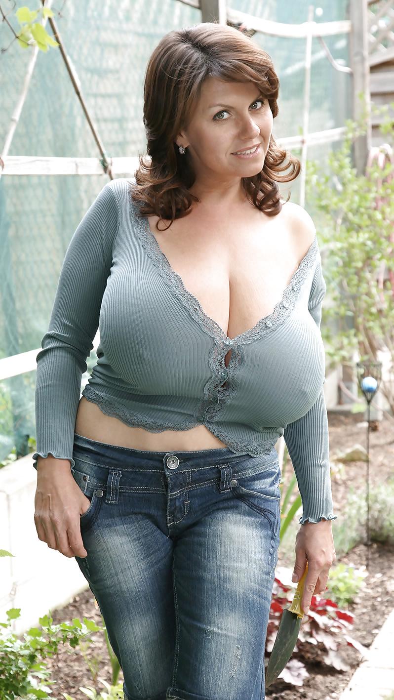outdoor chubby asian Virgin