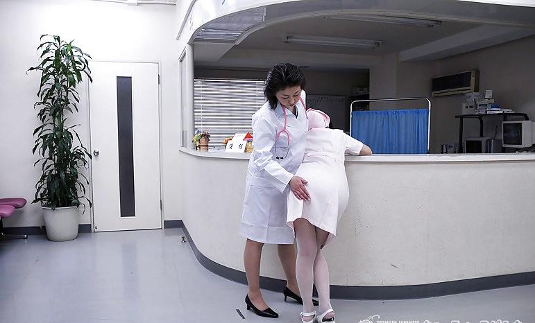 masturbate secretary doctor Asian