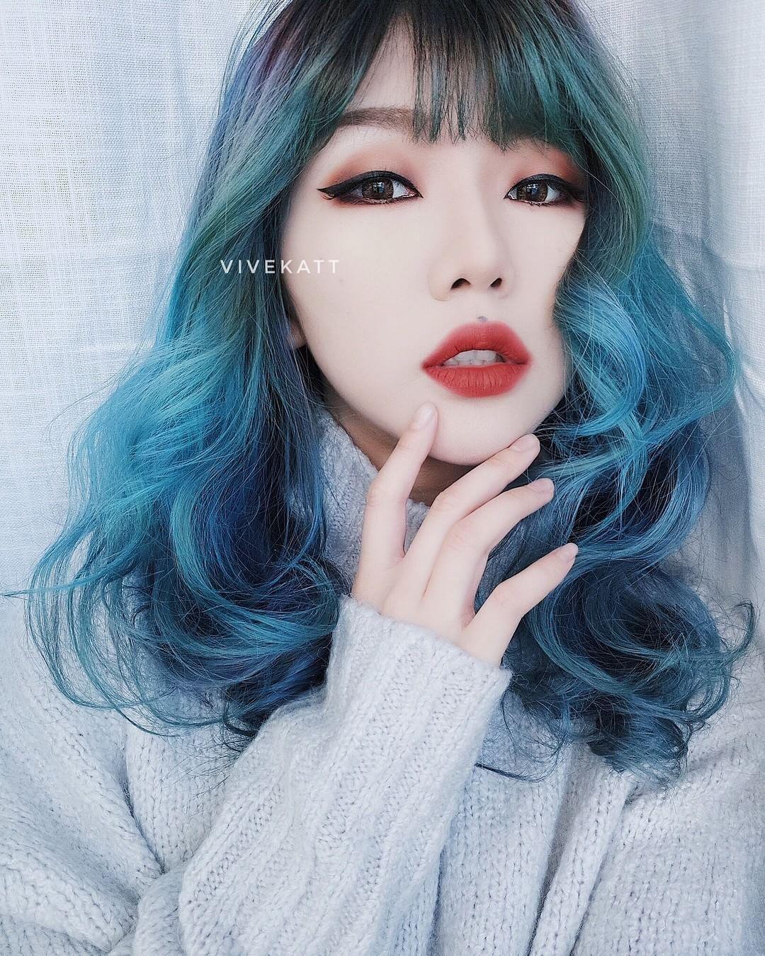 Korean girl with blue hair