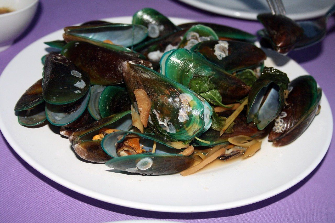 eat asian clams What do