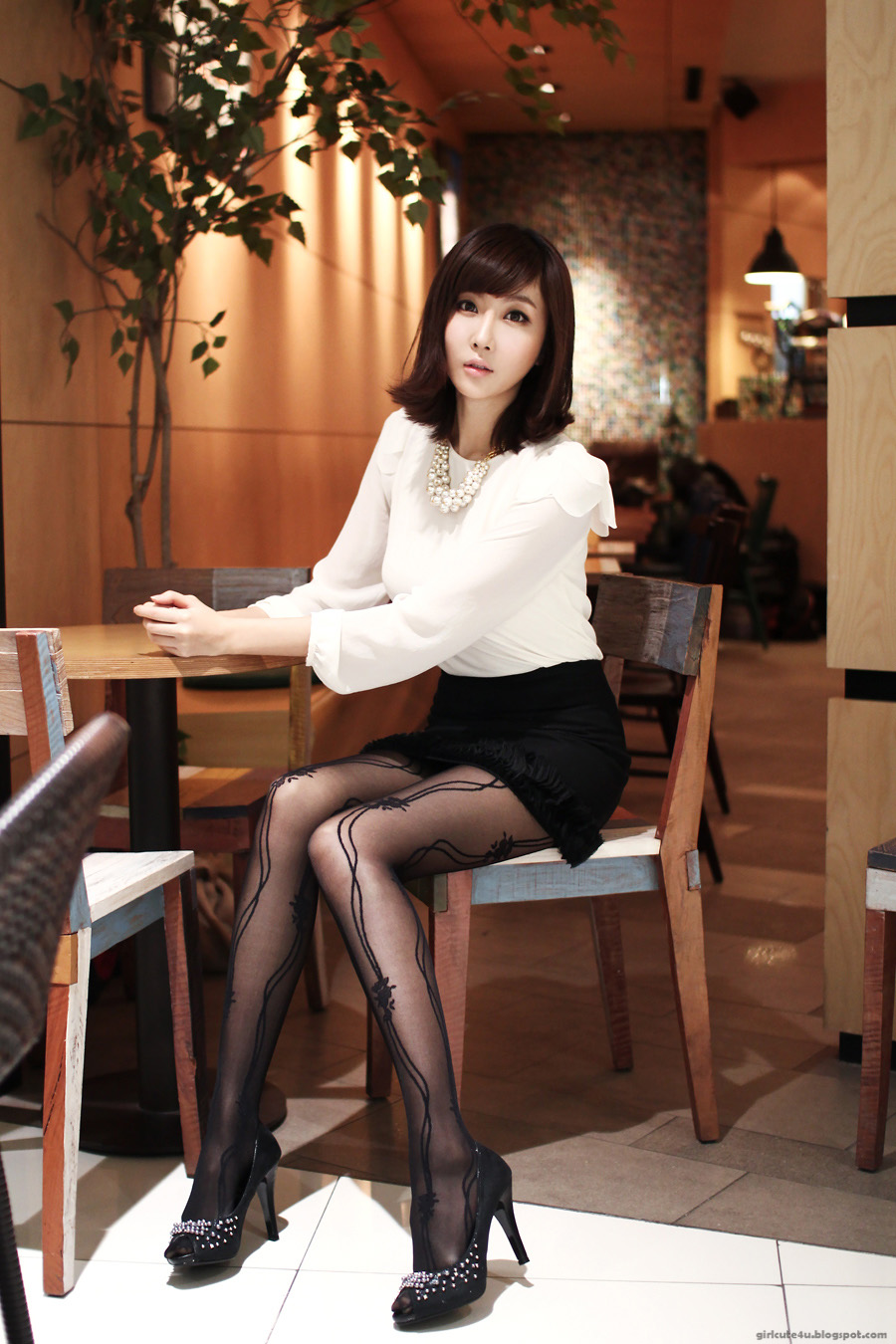 lady the in pantyhose office Chinese