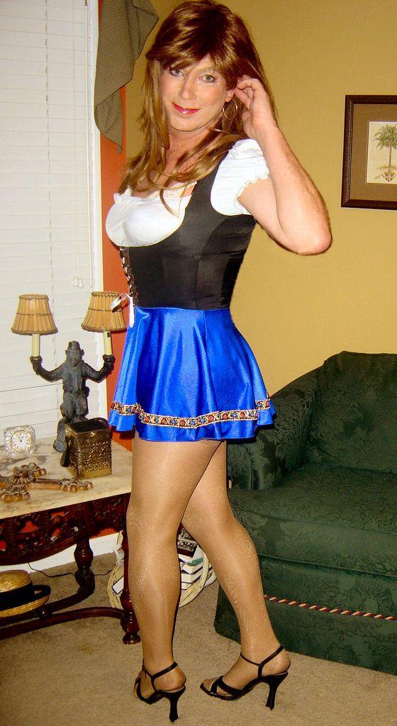 maid Curvy sissy asian