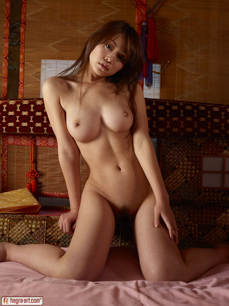 Nude pictures of amateur chinese girls